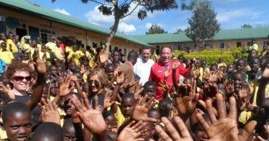 Uganda-crowd-2