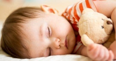 How to settle a child to sleep quickly in a noisy environment