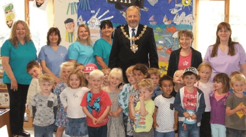 Local mayor visits pre-school