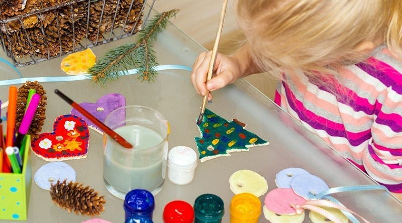 Fun festive crafts you can make with pre-schoolers