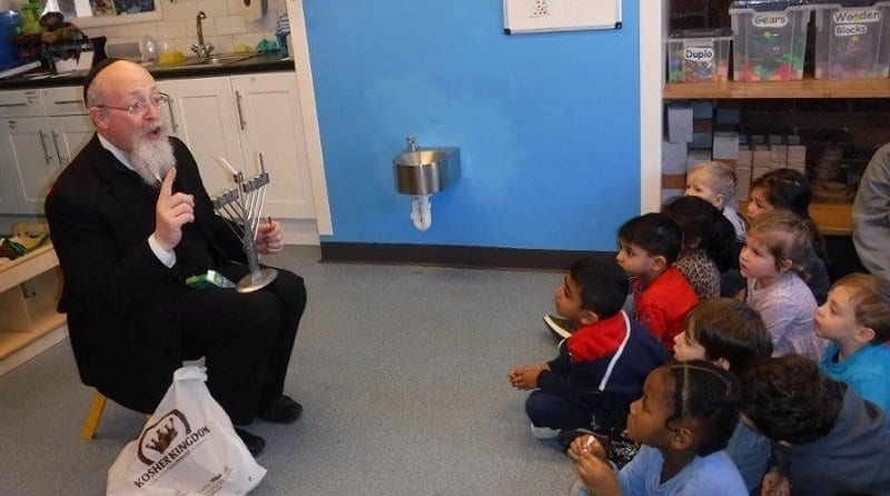 Rabbi visits Boys & Girl Nursery in Stanmore and Watford