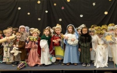 Pre-school in St Albans puts on a play for elderly people